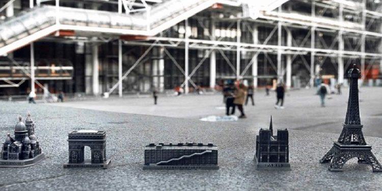 Il Centre Pompidou comunica in modo brillante la sua presenza