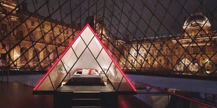 La collaborazione tra il Louvre e Airbnb proseguirà poi lungo il resto dell'anno